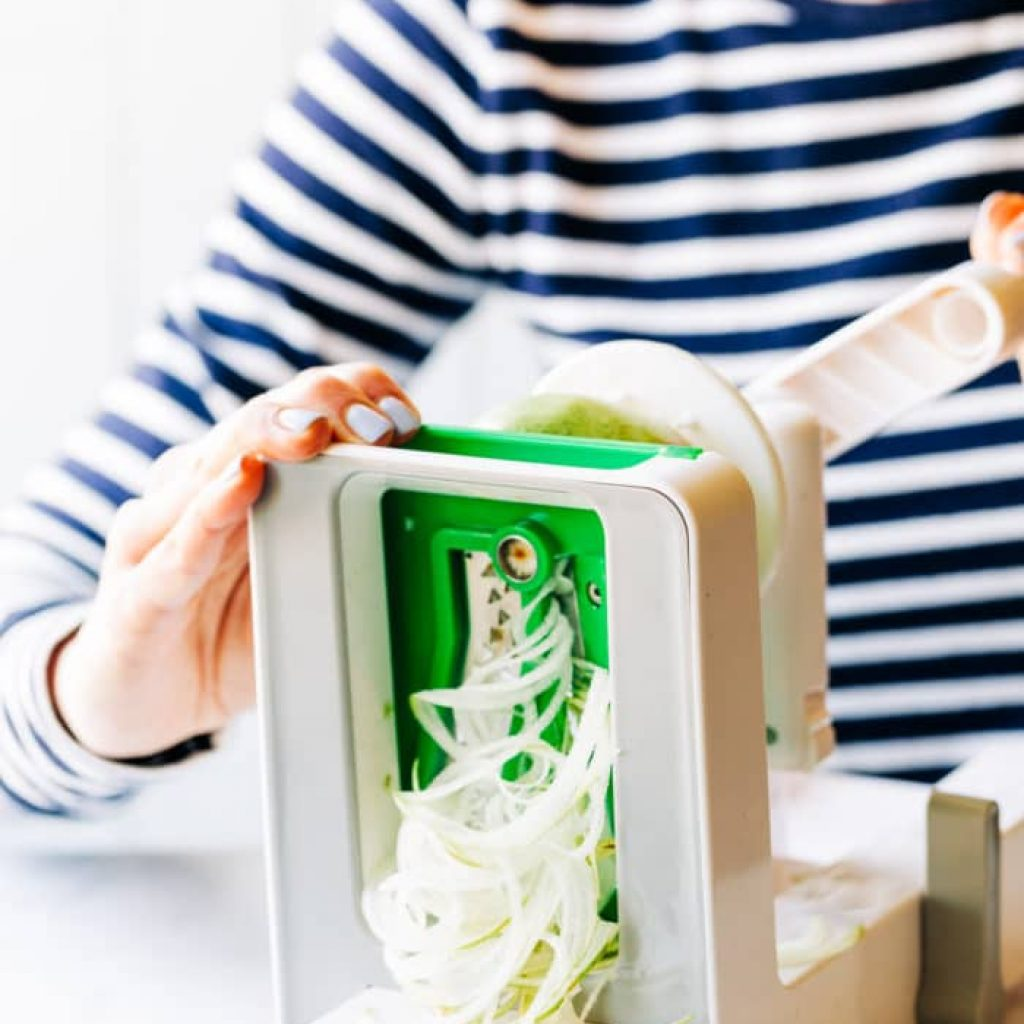 using a spiralizer to make noodles